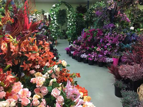 artificial flowers for the floral industry