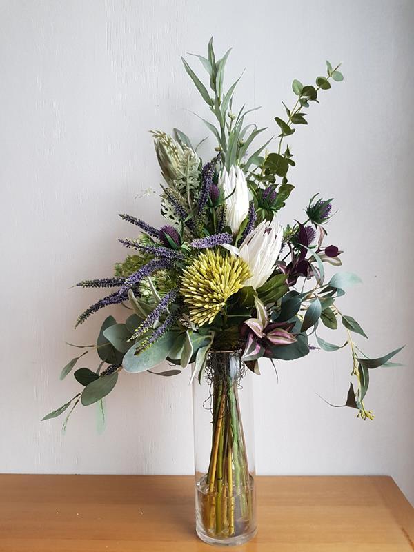 artificial flower arrangemet