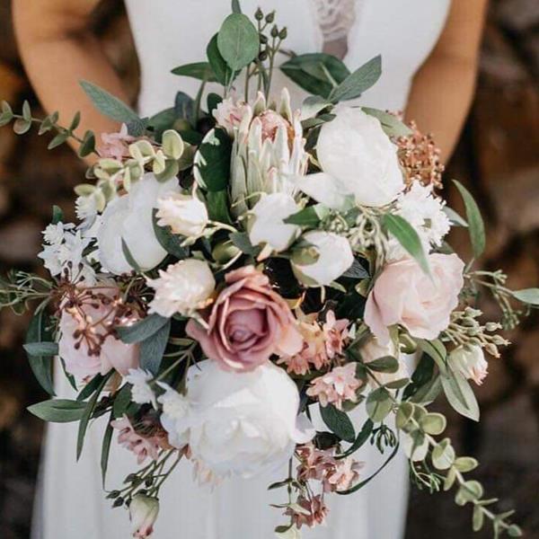 Dusty pink wedding bouquet