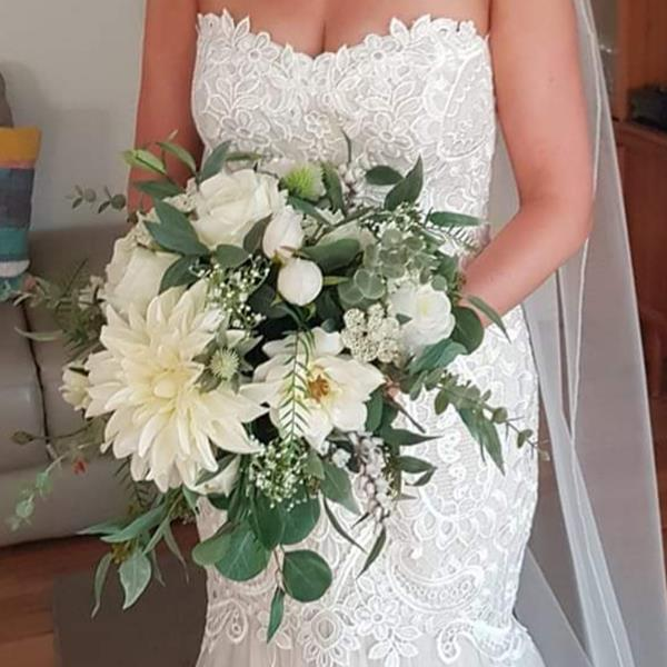 fake white wedding flowers