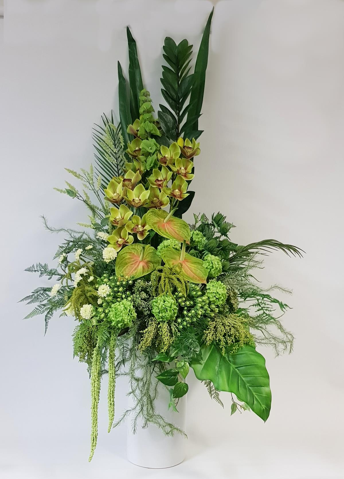 Artificial office flowers for business